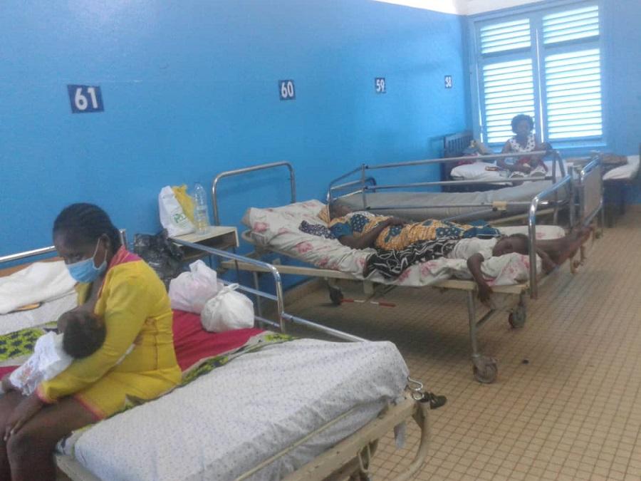 Santé : L'hôpital Laquintinie de Douala séquestre 2 enfants de 4 et 5 mois pour factures impayées.