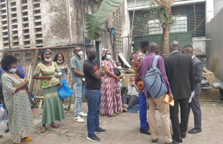 Mouvement d'humeur : Les victimes des inondations assiègent la mairie de la ville de Douala